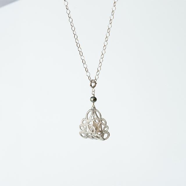 プラチナ箔|フラジオレット(あこや真珠)