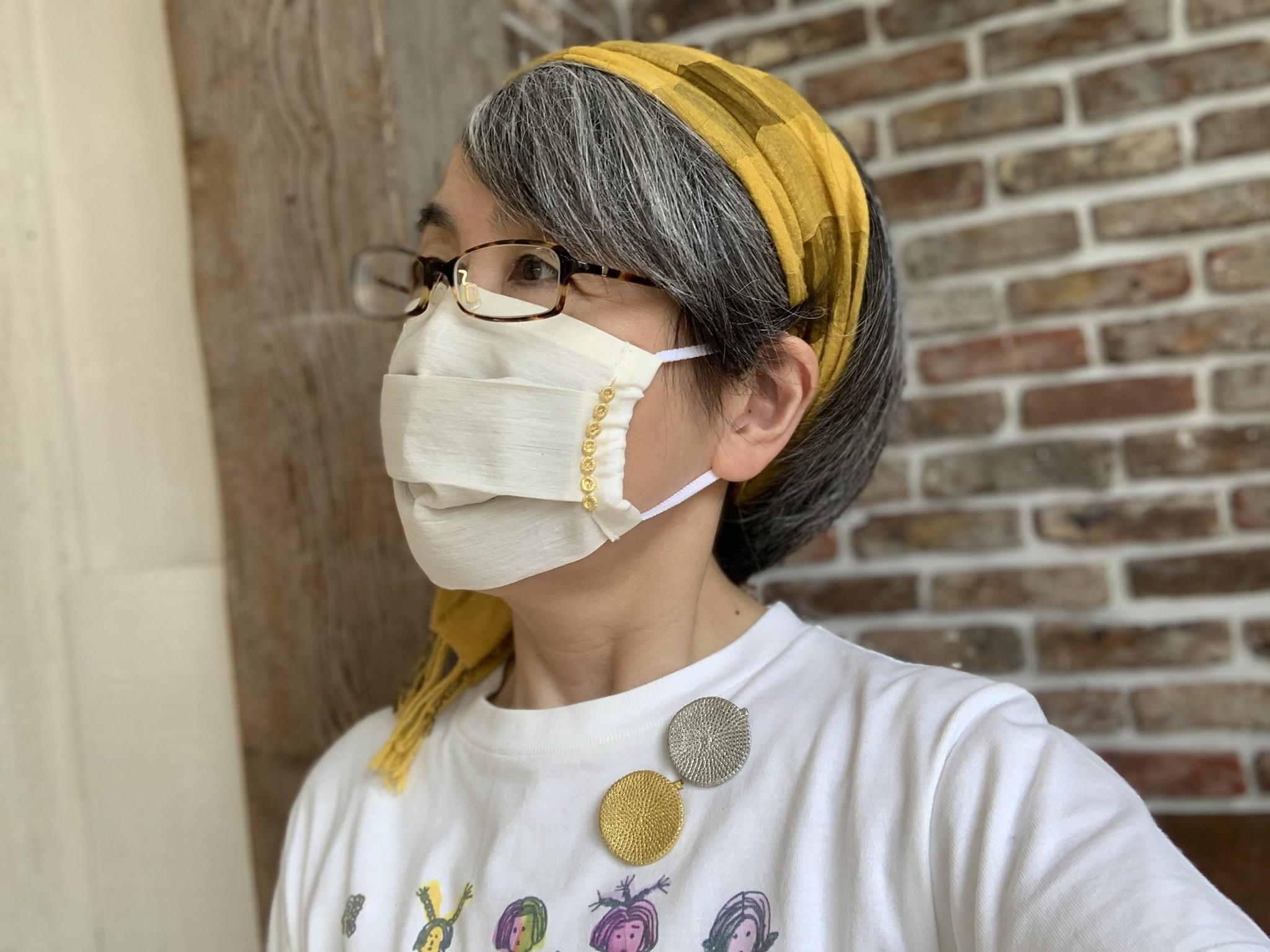 GoldーKnotおでかけマスク着用